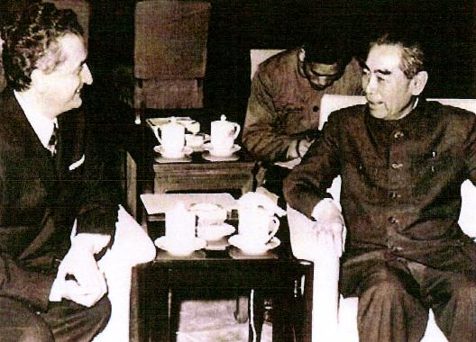 1971, Pechino. Vittorino Colombo incontra Zhou Enlai.